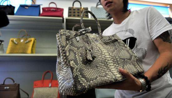 奢侈品造假:高仿香奈儿GUCCI最火 1200成本卖9000|奢侈品|高仿_新浪时尚_新浪网