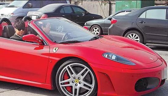 ▲Ferrari F430,价值约合300万人民币