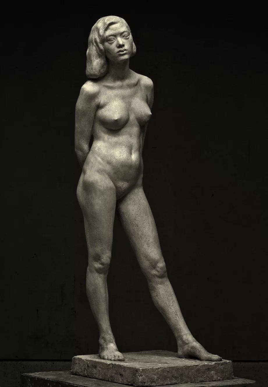 女人体/翟庆喜/160×53×56cm / 玻璃钢 / 1992