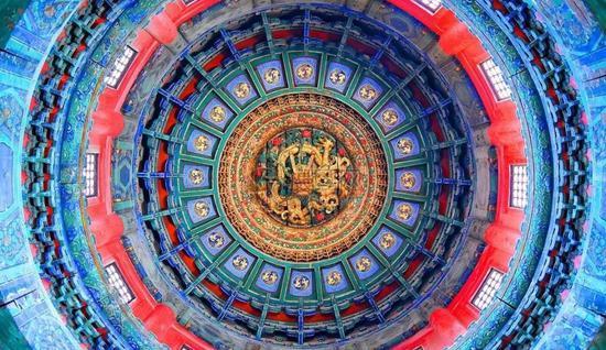 故宫内最大的戏台畅音阁的天井,配色秒杀一切西洋油画