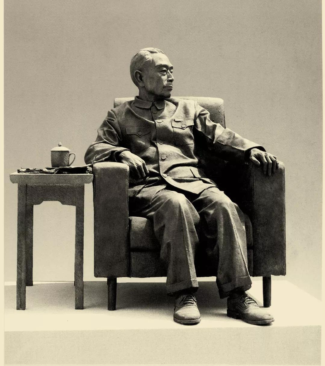 鞠躬尽瘁/班陵生/125 × 110 × 117 cm / 玻璃钢 / 1999