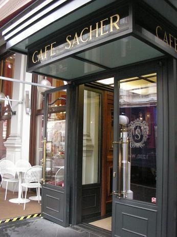Cafe Sacher 图片来源自PinterestCheeky Meli