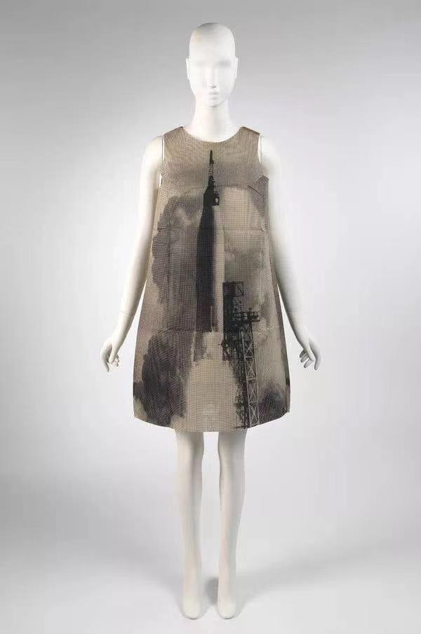 "Harry Gordon1968年设计的""火箭""裙"