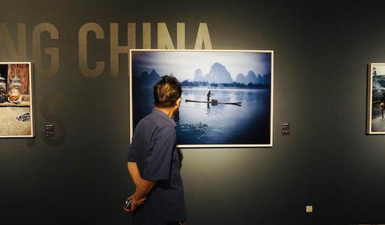前玛格南主席巴贝镜头下的中国是什么样的