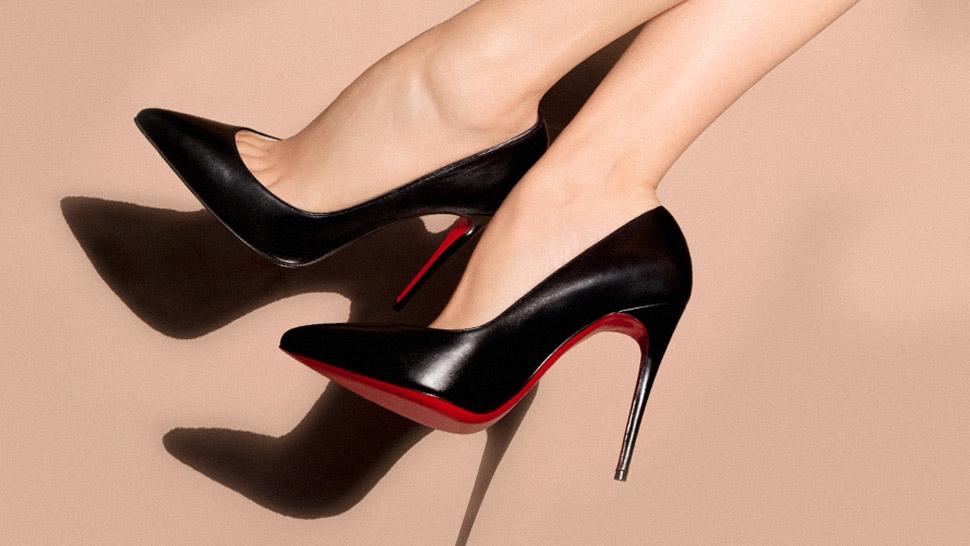 亚马逊贩卖盗版红底鞋 或罚款5500万美元