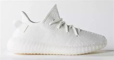 曾经被捧上神坛的yeezy鞋