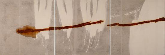 《白色区域》,2010,压克力、油彩、铁锈、蜡/纸裱于画布,300x100公分