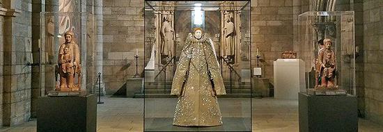 """""""神圣凡体""""主题时装展。图片来源:The Metropolitan Museum of Art"""