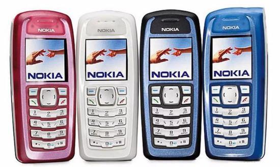 诺基亚 3100,该机拥有多种颜色,销量超过 5000 万部。