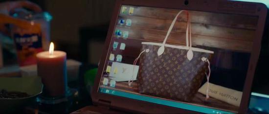 陈可拿来做桌面的壁纸,也是这款包