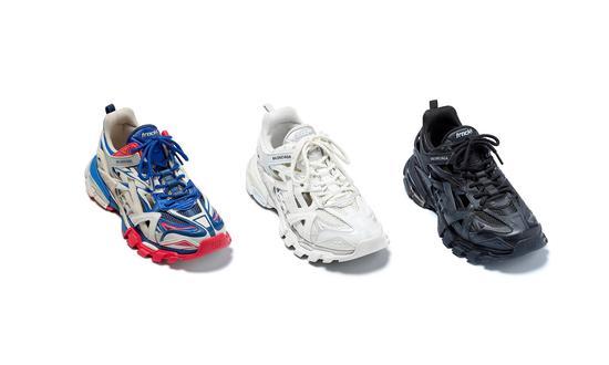 就在不久前品牌又推出了Track.2,相比前代鞋面结构更复杂了(图片来源:BALENCIAGA)