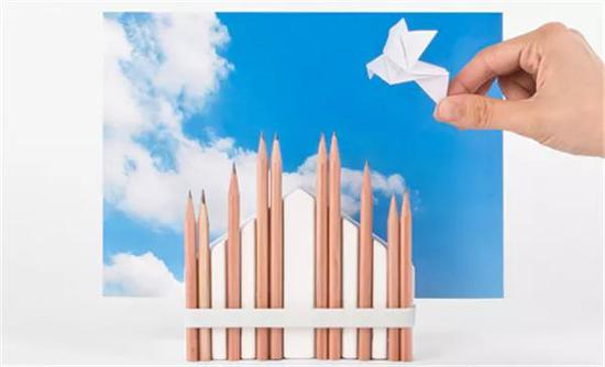 这个用来放置铅笔的笔架,取材于著名的米兰大教堂