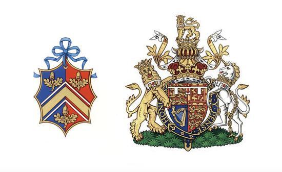 左为凯特王妃的家族纹章,右为威廉王子的个人纹章。可以看出平民和贵族纹章差异之大