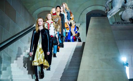 巴黎时装周将于9月举办 LV、Dior、Chanel或将举行线下秀