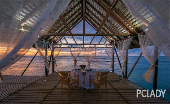 毛里求斯艾美度假酒店提供360°印度洋全景视角