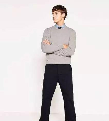 款式3:男式针织衫+卡其休闲裤