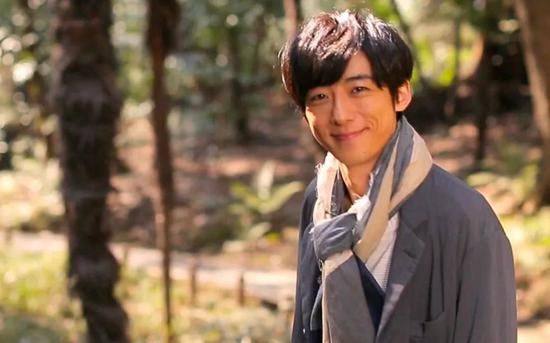 4、坂口健太郎