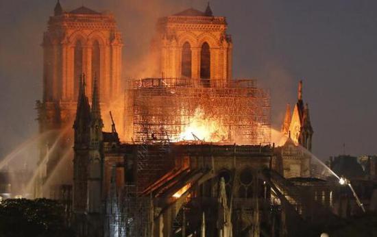 燃烧后的巴黎圣母院铅含量高达限值65倍
