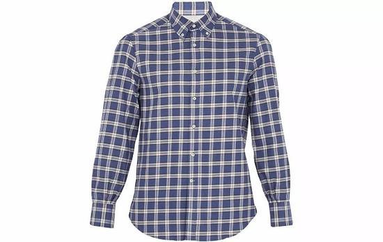 ●以羊绒出名的Brunello Cucinelli出品的男士衬衫也非常亲肤好穿。