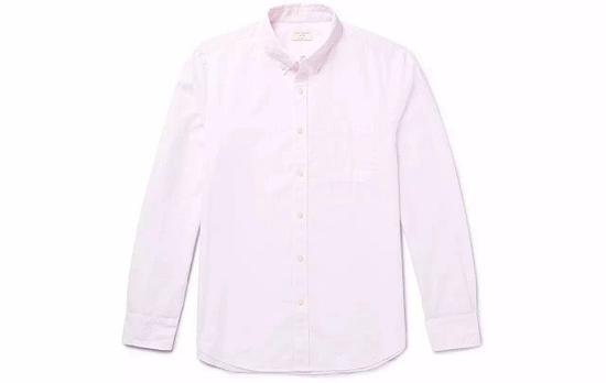 ●Club Monaco的粉色衬衫色度非常浅,可以是你第一件尝试的粉色。