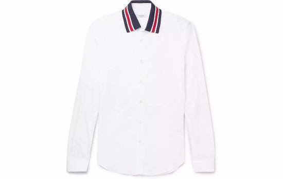 ●Valentino 的白色衬衫,配运动感的红色条纹领子。
