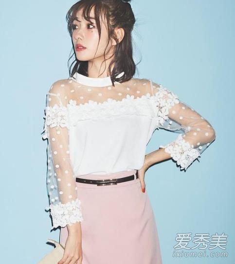 舒淇减龄搭配 示范春季优雅浪漫裙装荷兰朵奶粉多少钱