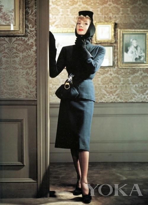 胸针出现在杂志大片中,图片来自图片来自Jewels du Jour。