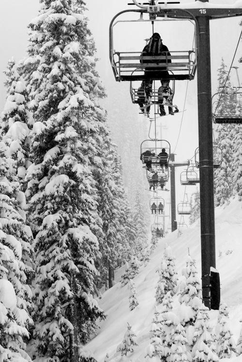 亚克力滑雪场 图片来源自skinet.com