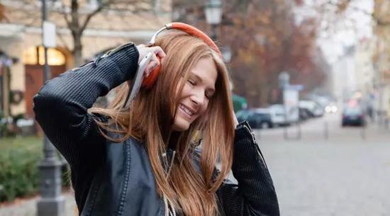 问题⑤: 听说降噪耳机还有续航等一系列问题?