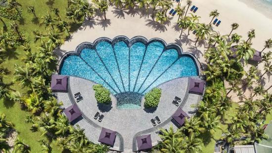 酒店还配备了新概念的水疗中心-Chanterelle- Spa,拥有四种功效的水疗护理。