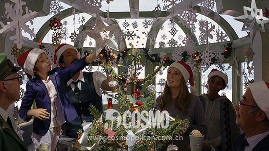 """Wes Anderson执导的H&M 2016假日系列宣传片 """"欢聚圣诞""""剧照"""