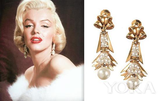 梦露佩戴珍珠耳环,图片来自The Adventurine。