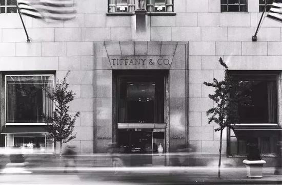 位于第五大道赫本停留的Tiffany门店