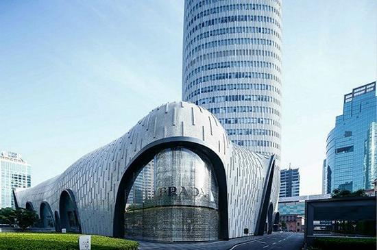 传Prada将被收购 分析师认为开云比LVMH更合适当它的新东家