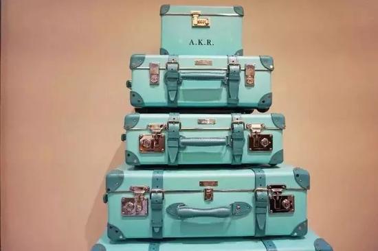 与英国行李箱品牌Globe-Trotte合作系列行李箱
