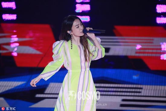 田馥甄现身湖南卫视(微博)跨年演唱会