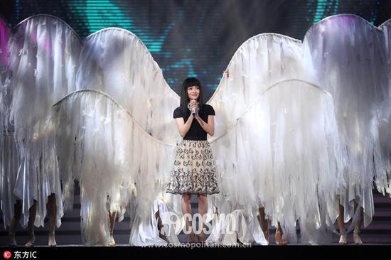 苏宁易购双十一嗨购夜晚会,张韶涵延长《隐形的翅膀》