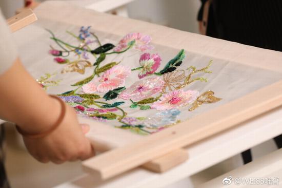 唯誓法式刺绣课程 图片来源自微博