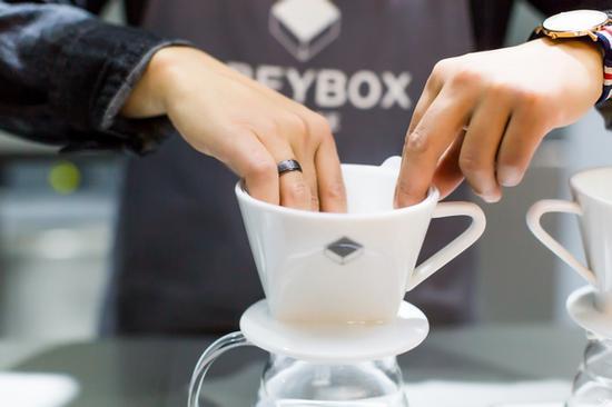 手冲咖啡课程 图片来源自品牌