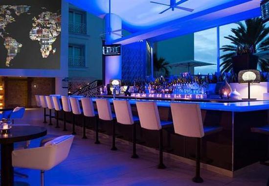 Mangrove Beach Bar酒吧 图片来源自hotelhc.worldhotelfinder.com