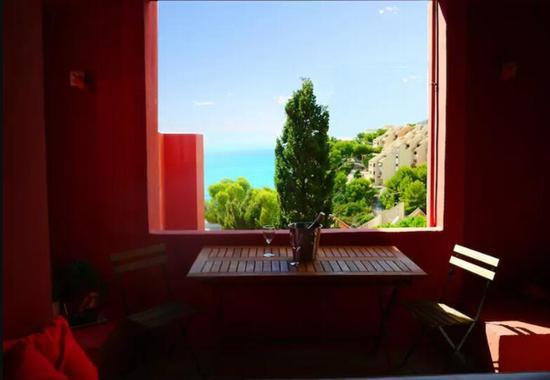 La Muralla Roja民宿 图片来源自airbnb