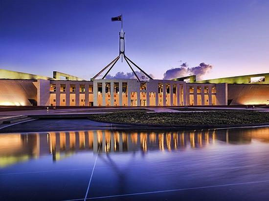 堪培拉的澳大利亚联邦议会大厦 图片来源:Taras Vyshnya/Shutterstock