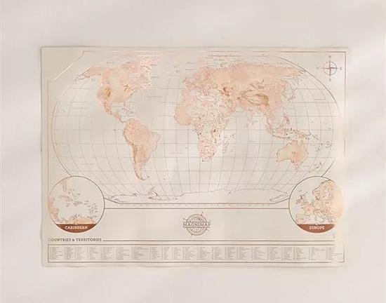 全世界都融化成了咖啡上的奶泡
