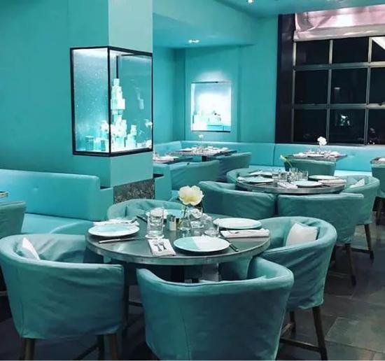 满眼蒂芙尼蓝的餐厅