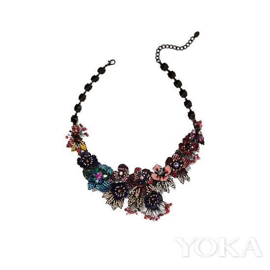 Zara 特别版花朵项链,¥ 259,图片来自Zara官网。