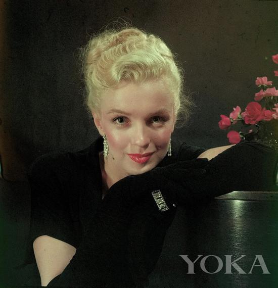 梦露佩戴钻石手链,图片来自Flickr。