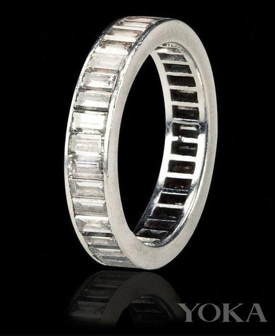梦露的结婚戒指,图片来自Pinterest。