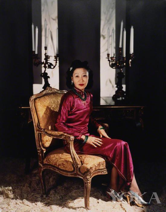 黄蕙兰身着旗袍,图片来自Pinterest。