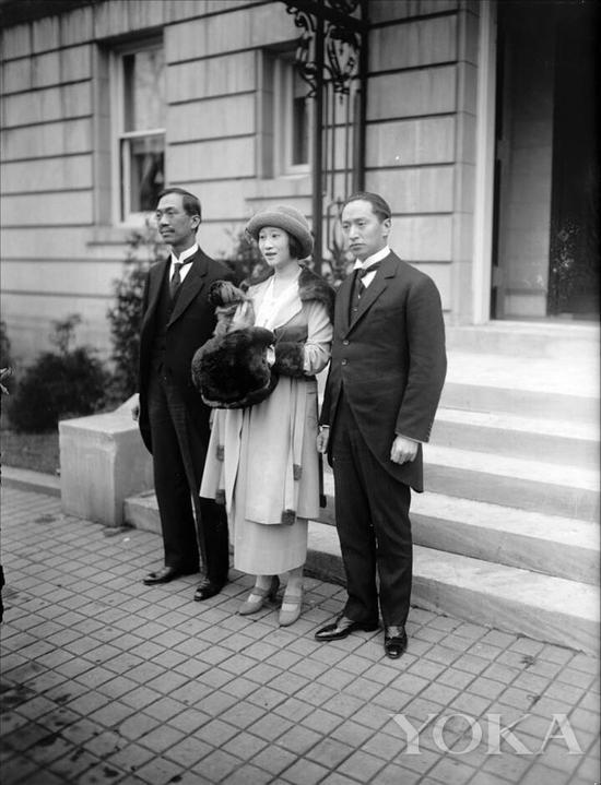 顾维钧、黄蕙兰夫妇和外交家王宠惠(左)合影,图片来自Pinterest。
