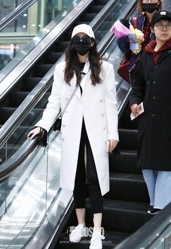 迪丽热巴身穿Chanel  2017秋冬系列